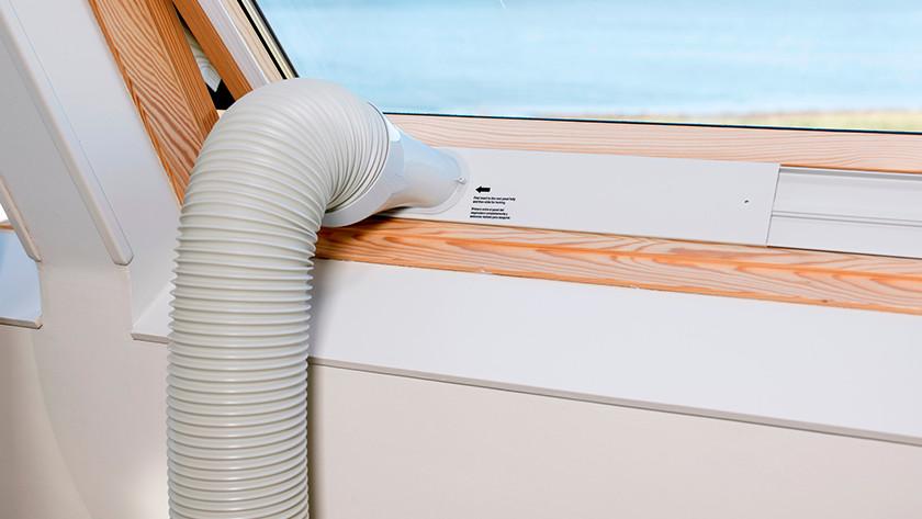 Abluftschlauch für mobile Klimaanlage durch Fenster