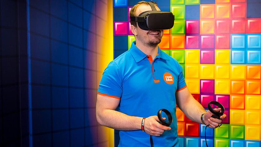Games mit einer VR-Brille spielen.