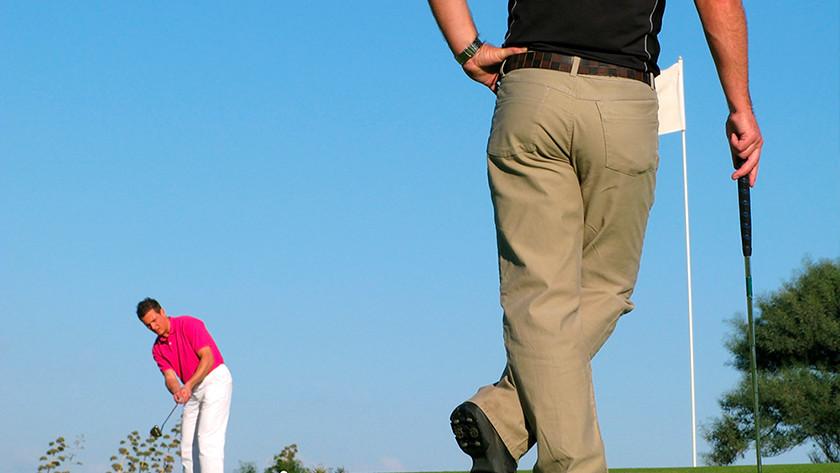 Golfer mit Sportuhr