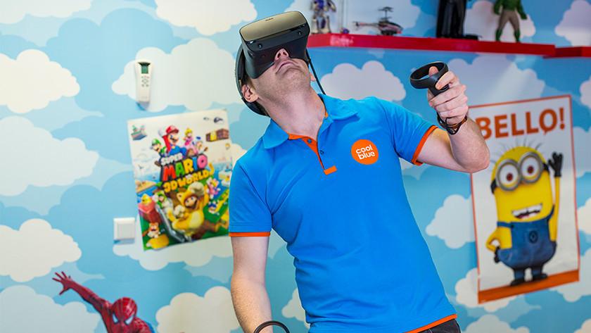 Einen Film ansehen mit VR-Brille.