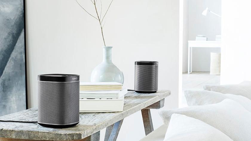 Sonos-Stereolautsprecher im Wohnzimmer