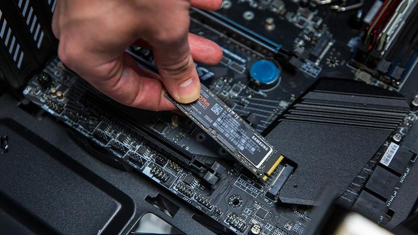 M 2 SSD im Motherboard