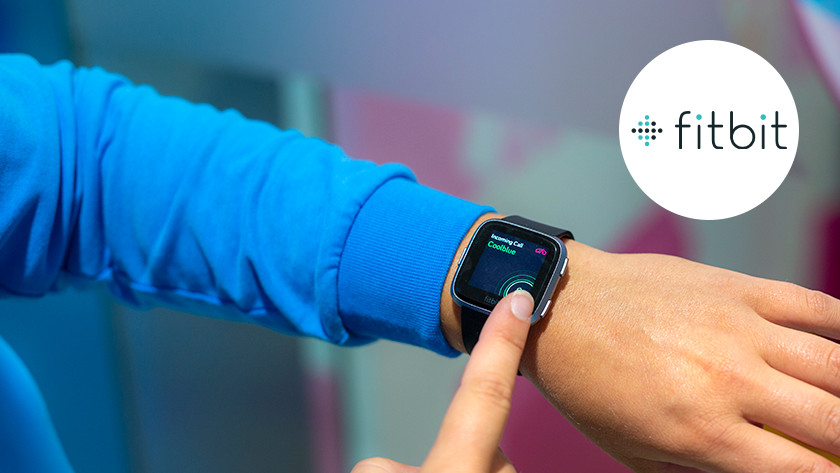 Fitbit-Uhr am Handgelenk