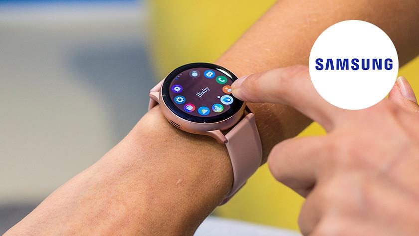 Samsung Galaxy Watch am Handgelenk