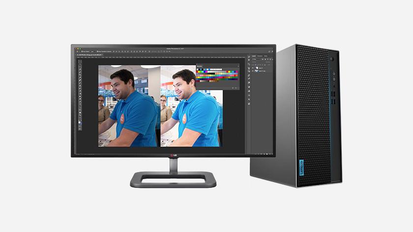 Bearbeiten eines Fotos in Photoshop auf einem HP PC durch Coolblue-Mitarbeiter.