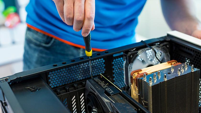 Grafikkarte im PC installieren