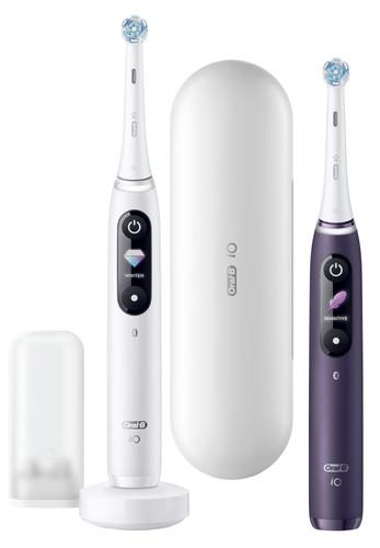Oral-B iO - 8 - Elektrische Zahnbürsten Weiß und Lila, Duopack Main Image