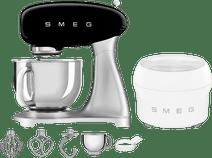 SMEG SMF02RDEU Schwarz + Eisbereiter